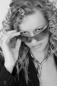 Schnupper-Fotoshooting Frauengesicht mit Sonnenbrille