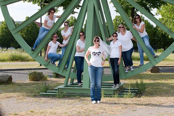 Gruppenbild JGA Junggesellinnenabschied im Erinpark, Castrop-Rauxel fotografiert von Fotostudio Keepsmile
