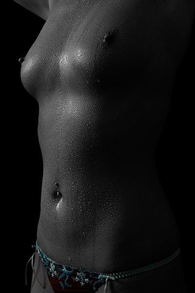 Öl und Wasser bei einem erotischen Fotoshooting im Fotostudio Keepsmile